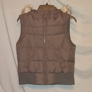 Hooded Puffy vest